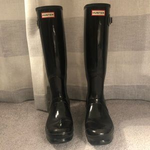 Hunter Original Tall Gloss Rain Boot- size 8